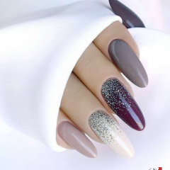 Glittered-Acrylic-Nail-Trends-for-Spring-Season_output